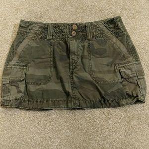American Eagle Camo Skirt Size 6